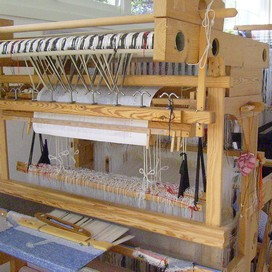 (5) : damask loom with drawcords